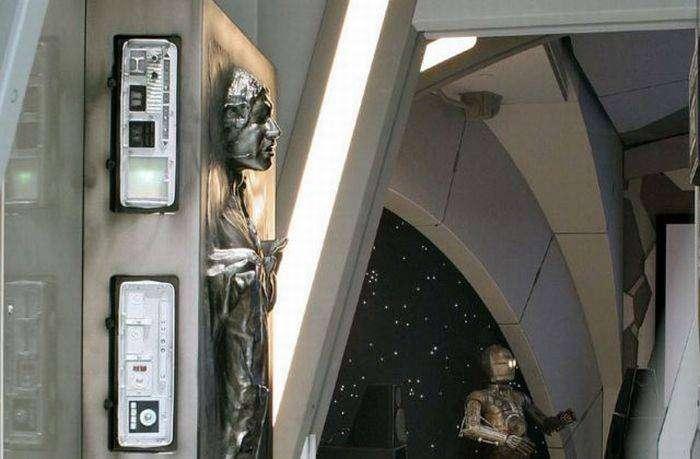 Домашний кинотеатр фаната Звездных Войн (20 фото)