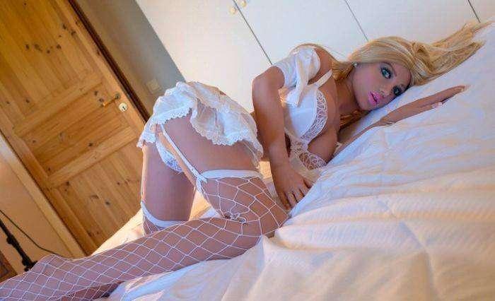 Китайцы сделали секс-куклу с внешностью девушки своей мечты (8 фото)