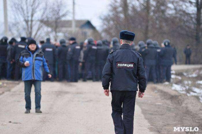В поселке Плеханово под Тулой цыгане устроили беспорядки (10 фото)