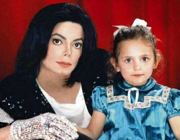 Как сейчас выглядит дочь Майкла Джексона (4 фото)