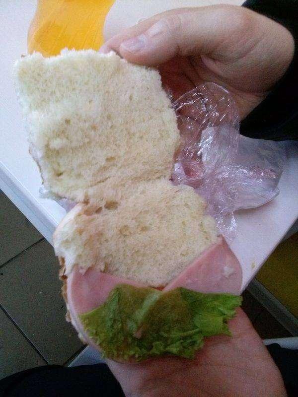 Бутерброд от богов маркетинга в кафе автовокзала (2 фото)