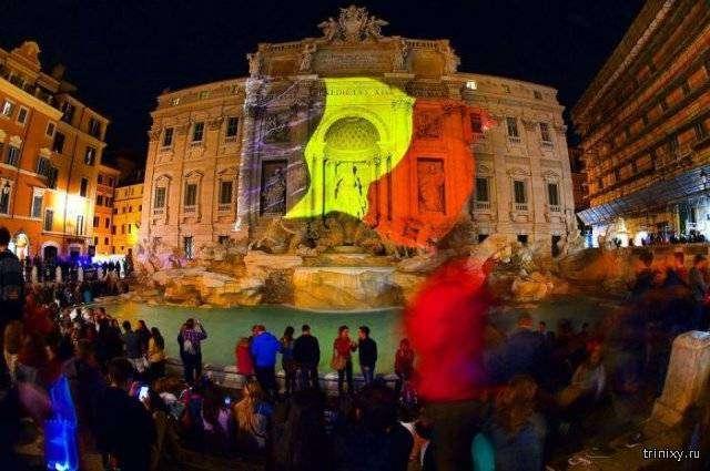 Достопримечательные здания подсветили в цвета бельгийского флага (14 фото)