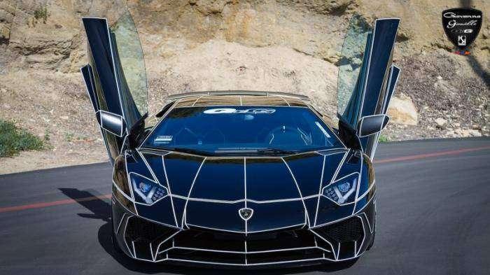 Черный Lamborghini Aventador в стиле Трон (18 фото)