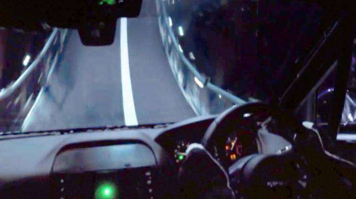 "Проезд Jaguar F-Pace по ""мертвой петле"" (11 фото + 1 видео)"
