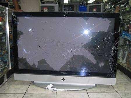 Привезли новый телевизор (7 фото)
