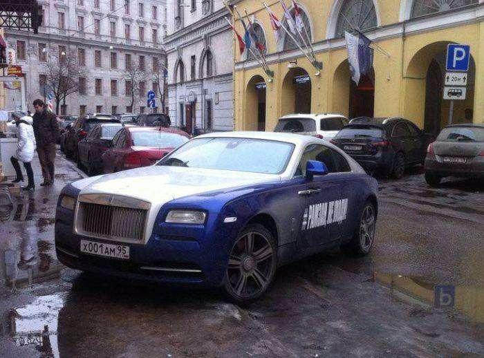 Автомобиль необычного студента из Чечни (8 фото)