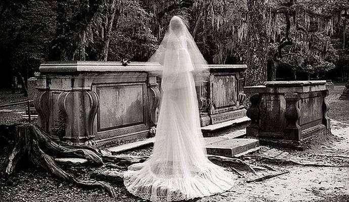 В Китае массово проводят нелегальные свадьбы мертвецов