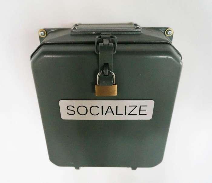 Социализация: Ящик для того чтобы избавиться от телефонной зависимости (5 фото)