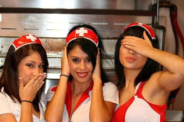 "Девушки из ресторана ""Сердечный приступ"" (34 фото)"