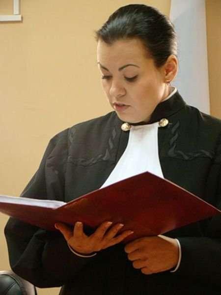 Судья Ирина Левандовская была уволена за эти фотографии (7 фото)