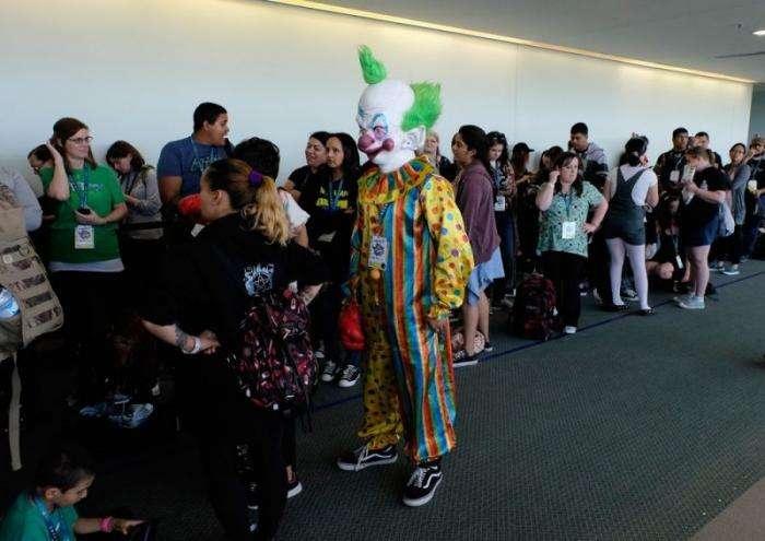 WonderCon 2016 в Лос- Анджелесе(33 фото)