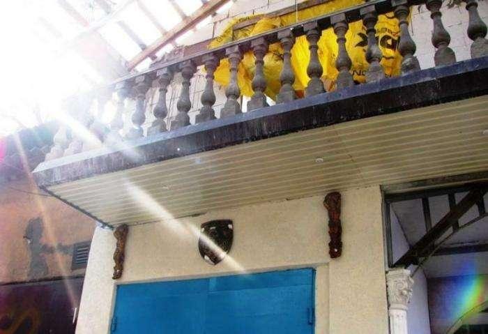 Изысканный гараж в стиле барокко (5 фото)