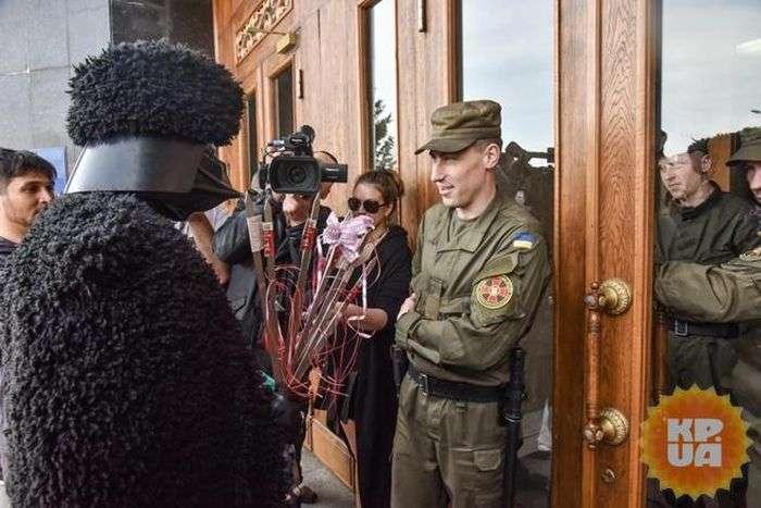В Одессе Дарт Вейдер пришел в гости к Саакашвили (9 фото)