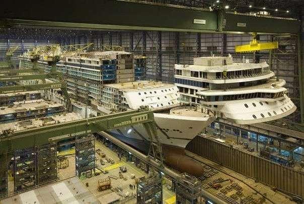 Строительство круизного лайнера Norwegian Breakaway (10 фото)