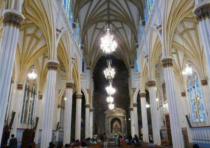 Самые посещаемый собор Лас-Лахас в Колумбии (6 фото)