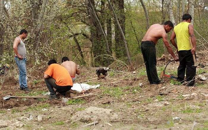В Киеве цыгане разбили два табора (18 фото)