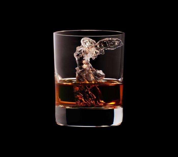 Ледяные скульптуры для охлаждения виски (24 фото)