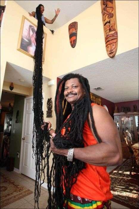 Обладательница самых длинных в мире волос Аша Мандела (6 фото)