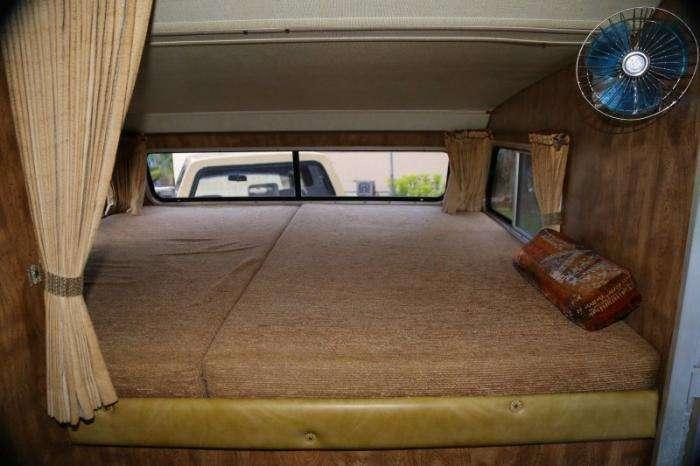 Легкий седельный тягач из Toyota Sunrader 1981 (16 фото)