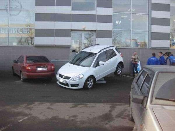 Случай в автосалоне (5 фото)