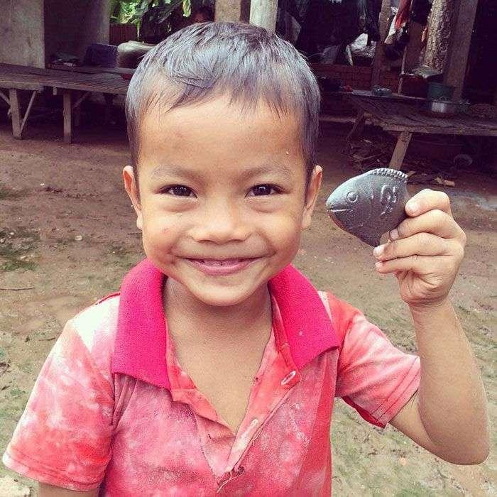 Металлическая чудо-рыба, которая спасает жизнь людям (9 фото)
