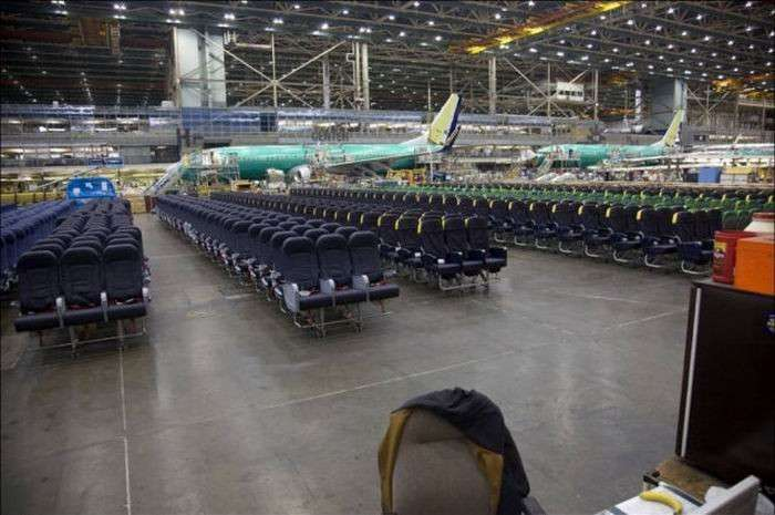 Производство Боинг 737 (13 фото)