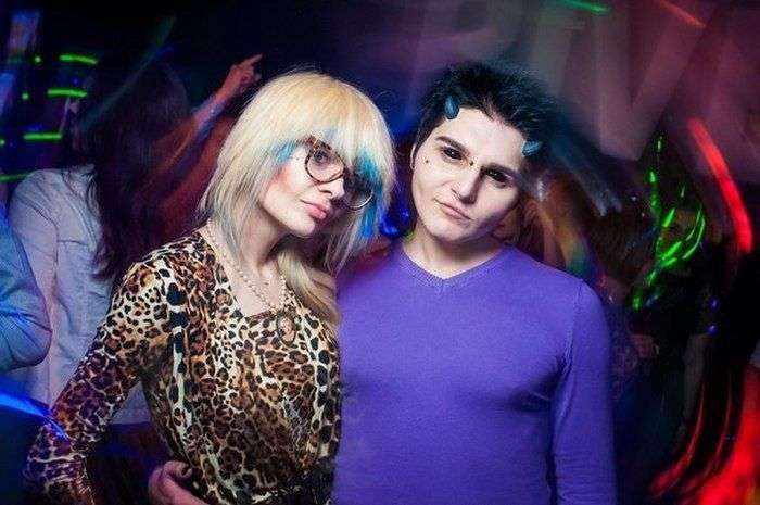 Украинский студент превратился в пародию на темного эльфа (11 фото)