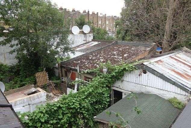 Гараж в лондонском районе за 600т. долларов (4 фото)