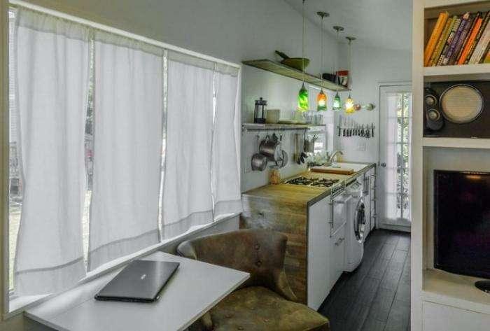 Дом из обычного трейлера (9 фото)
