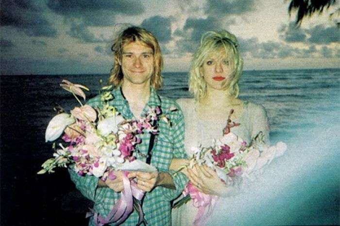 Редкие фото со свадебной церемонии Курта Кобейна и Кортни Лав (7 фото)