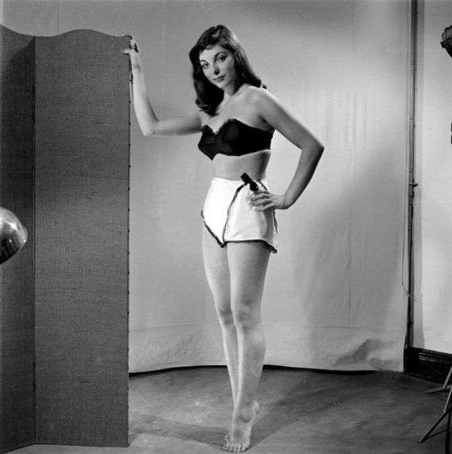История развития нижнего белья (9 фото)