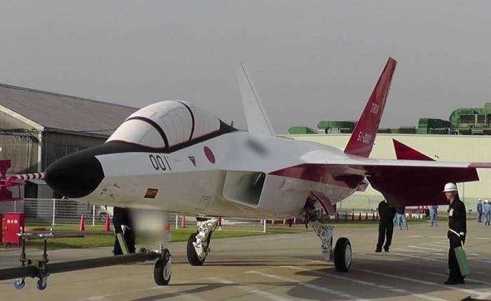 Первый японский стелс-истребитель (4 фото)