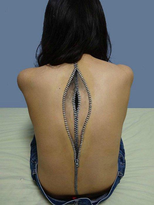 Татуировка с изображением молнии.