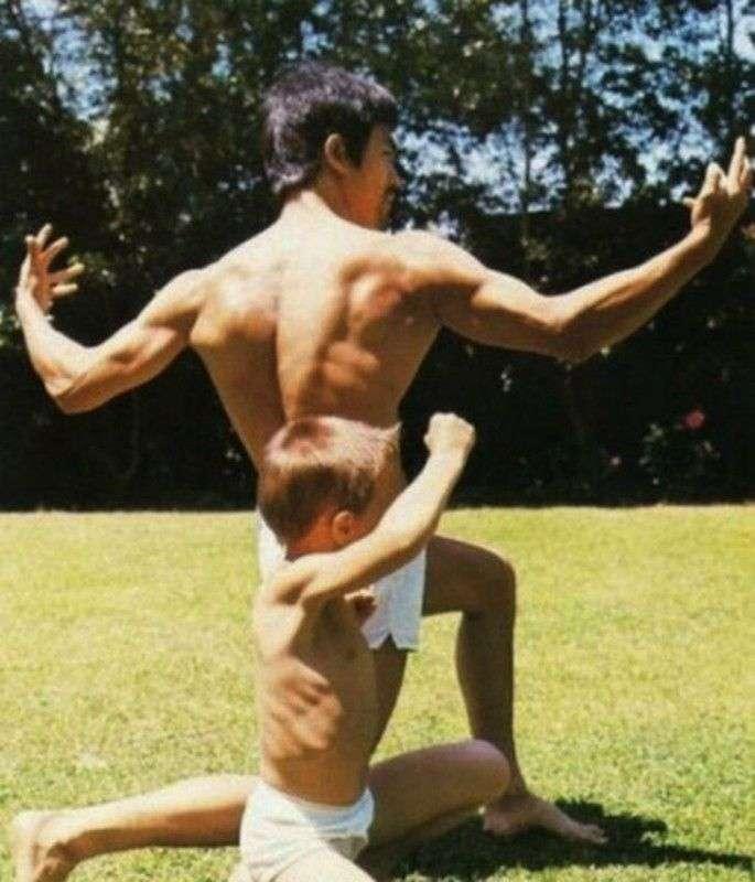 Неизвестные фотографии Брюса Ли из семейного архива