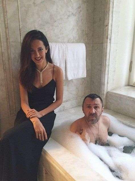 10 фактов о Сергее Шнурове и его жене Матильде, которые вас удивят