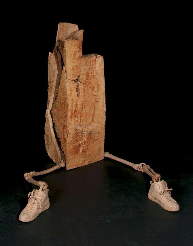 Этот скульптор сделал дерево податливым, как пластилин