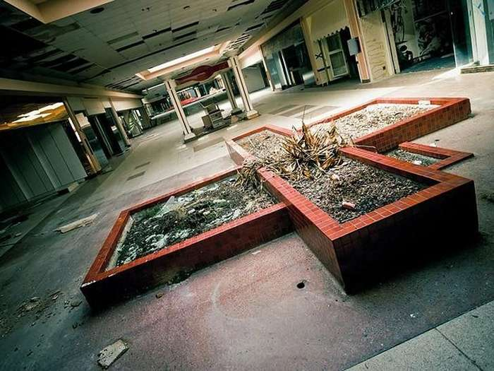 Заброшенные мегамоллы в США. Закат капитализма