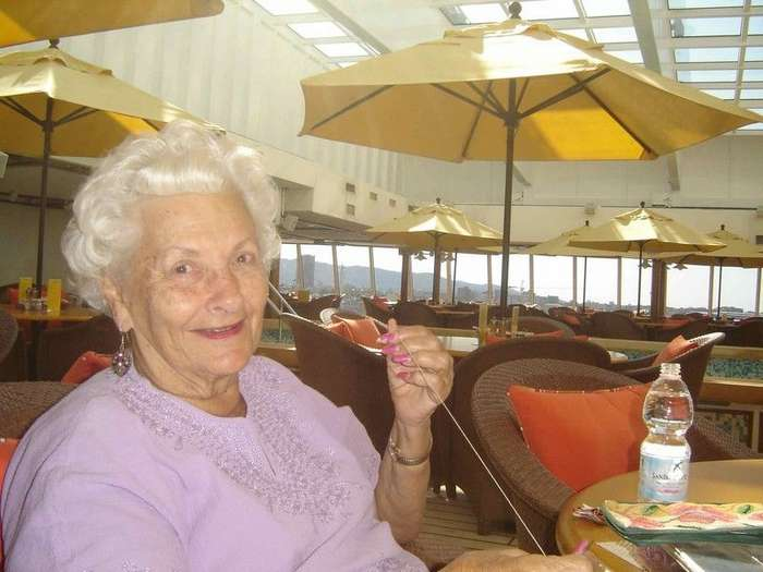 Пенсионерка 8 лет живет на круизном лайнере