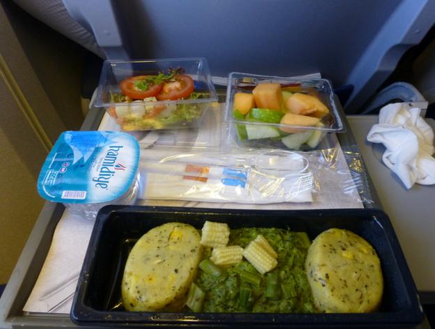 Обеды 19 авиакомпаний в эконом- и бизнес-классах