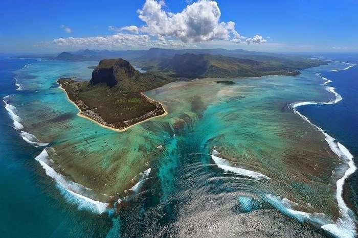 Удивительная иллюзия подводного водопада