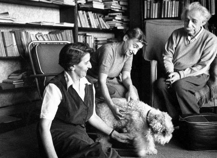 137 лет со дня рождения Альберта Эйнштейна