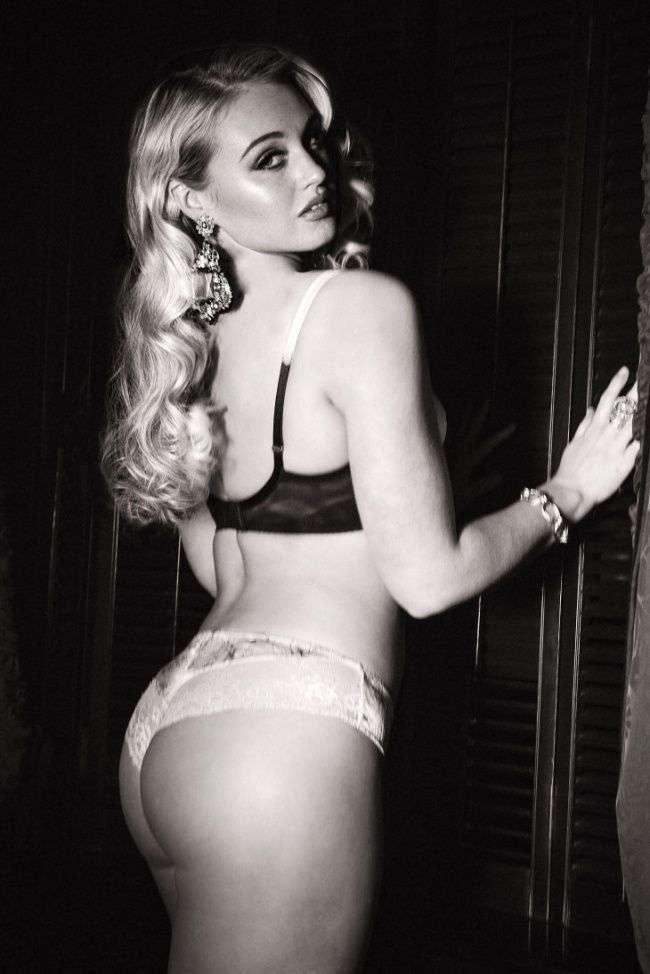 Нормальные модели снялись в рекламе нижнего белья
