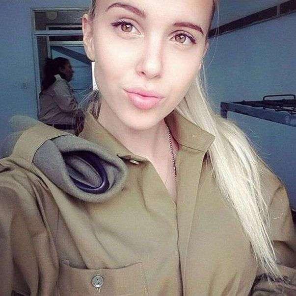 Модели в армии