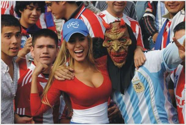 Девочки и футбол - прекрасное сочетание