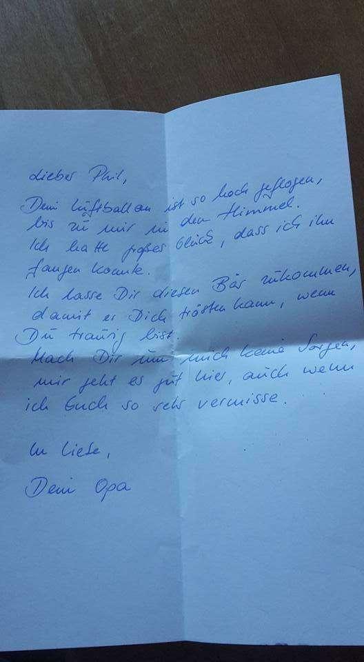 Мальчик отправил письмо умершему дедушке и получил ответ