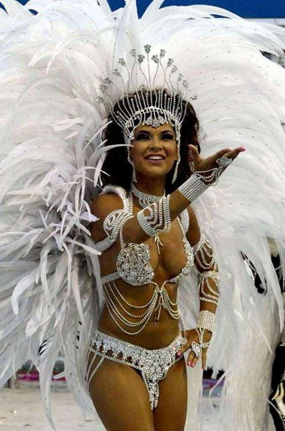 А в Рио опять карнавалят