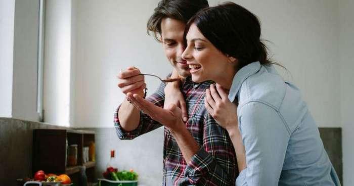 15 простых блюд, которые должен уметь готовить каждый парень