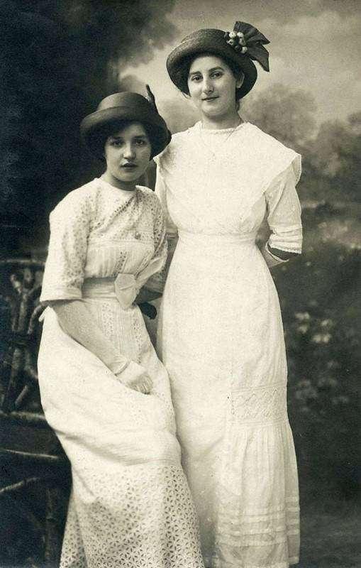 Самые красивые девушки мира на открытках 1900-х годов