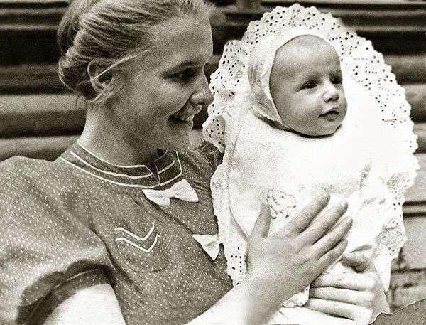 20 удивительных мам, воспитавших гениев и звёзд