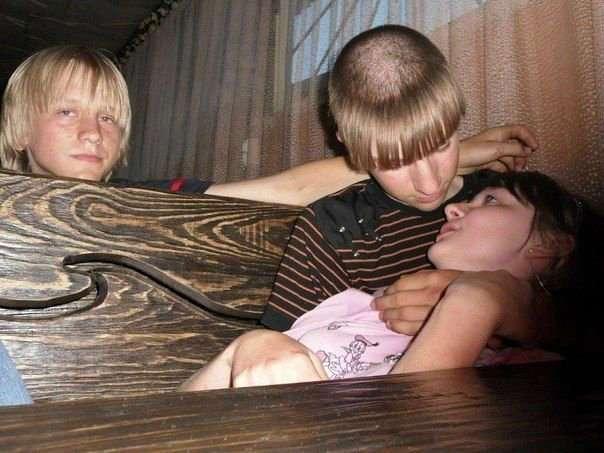 Лихой чубчик - любимая прическа провинциальной молодежи (